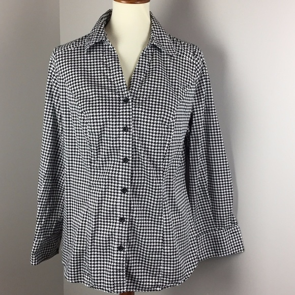 60f092646f3 Lane Bryant Tops - Lane Bryant Houndstooth Blouse Women s Size 14